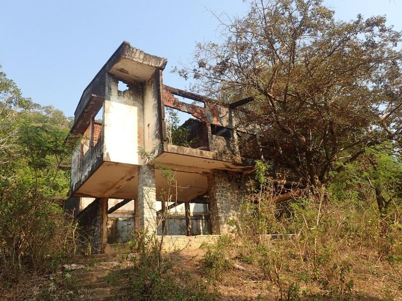 French villa ruin