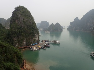 A sanitised caving excursion in Ha Long Bay